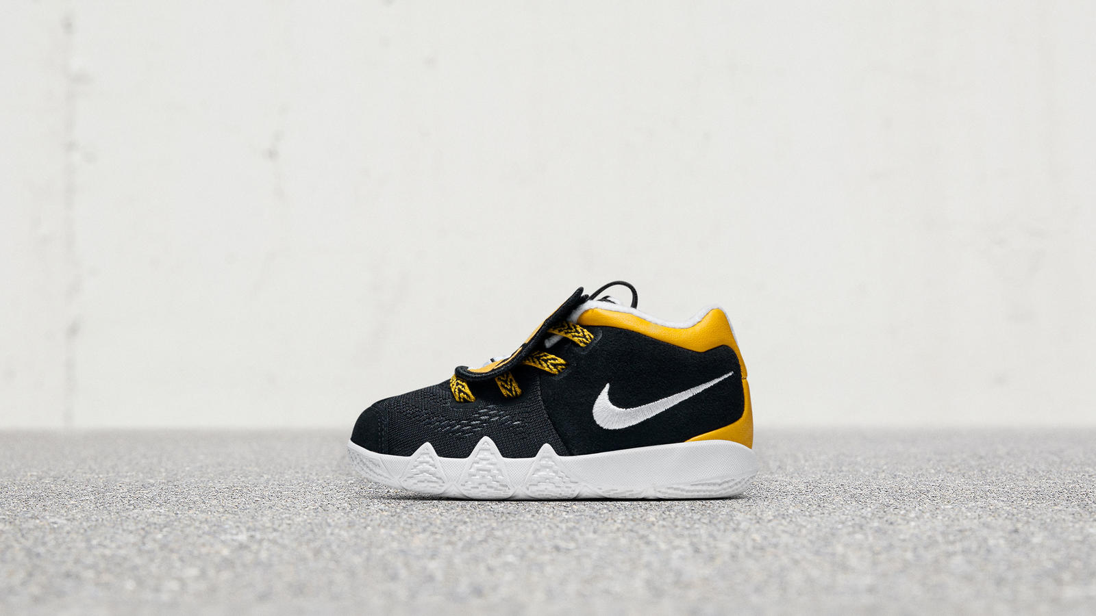 """Nike """"Little Big Cats"""" Kyrie 4"""